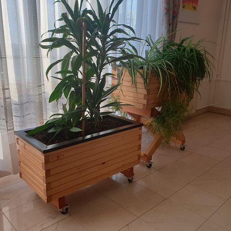 Prenosna in dekorativna greda za notranje prostore